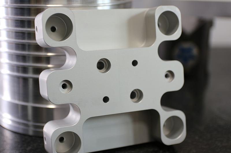 Esempio di metallo per azienda metalmeccanica alla OLMP di Torino